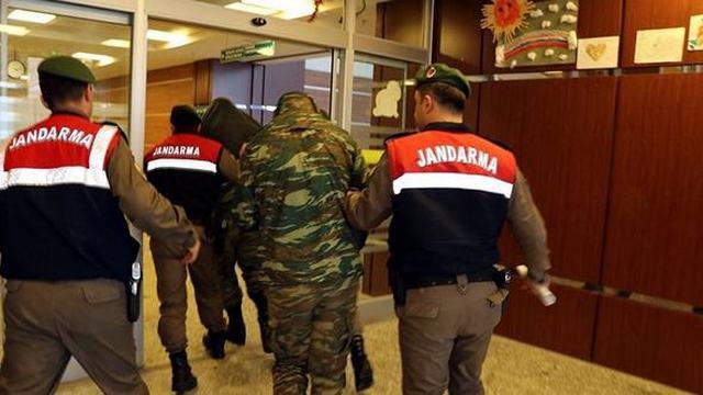 """""""Καθαρά"""" τα κινητά των δυο Ελλήνων στρατιωτικών"""