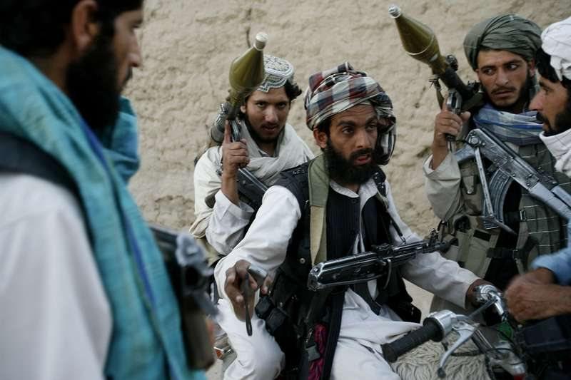 Αφγανιστάν: Τουλάχιστον 22 αστυνομικοί νεκροί από επιθέσεις των Ταλιμπάν