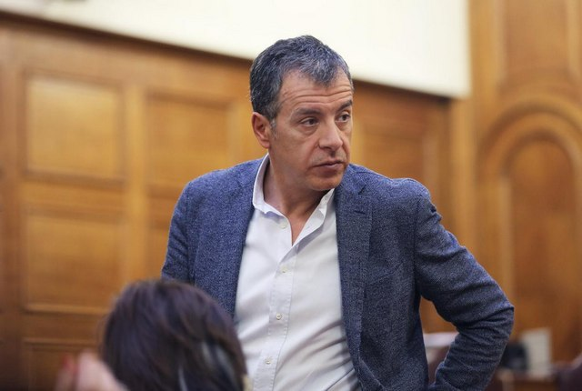 Θεοδωράκης: Το νέο κόμμα δεν μπορεί να είναι μια νοσταλγική φωτογραφία του παρελθόντος