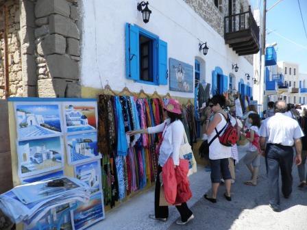 ΚΕΠΕ: Στην Ελλάδα παραμένει το τουριστικό εισόδημα