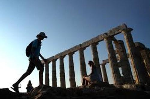 Ολοταχώς για νέο ρεκόρ αφίξεων τουριστών!