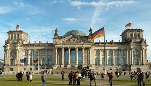 Μήνυμα Βερολίνου σε Ρώμη: Σεβαστείτε τους κανόνες για τις τράπεζες