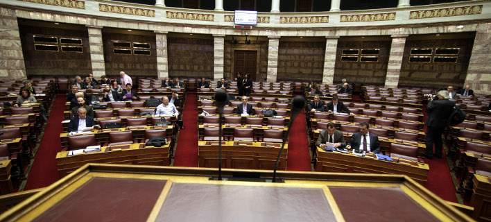Βουλή: Αντισυνταγματική η σύνδεση προστίμων ΚΟΚ - εισοδήματος