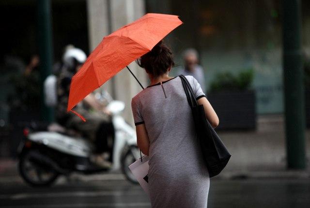 Τοπικές βροχές και πτώση της θερμοκρασίας